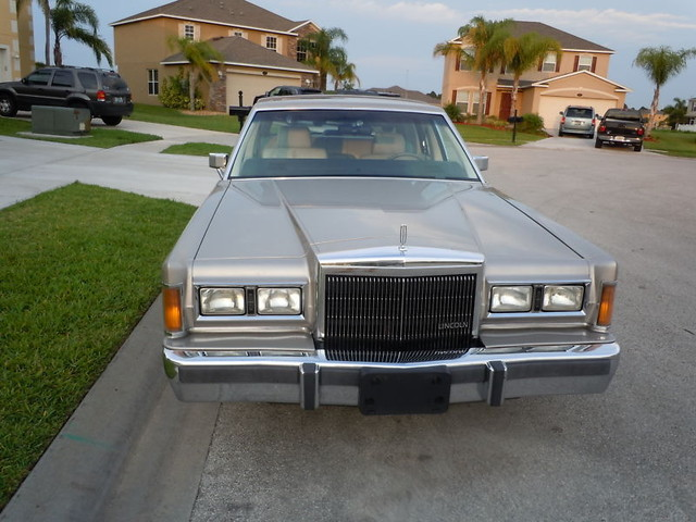 Classic Lincolns View Topic 1989 Lincoln Town Car Signature Series