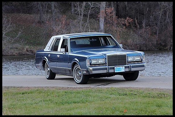 classic lincolns view topic 1988 lincoln town car. Black Bedroom Furniture Sets. Home Design Ideas